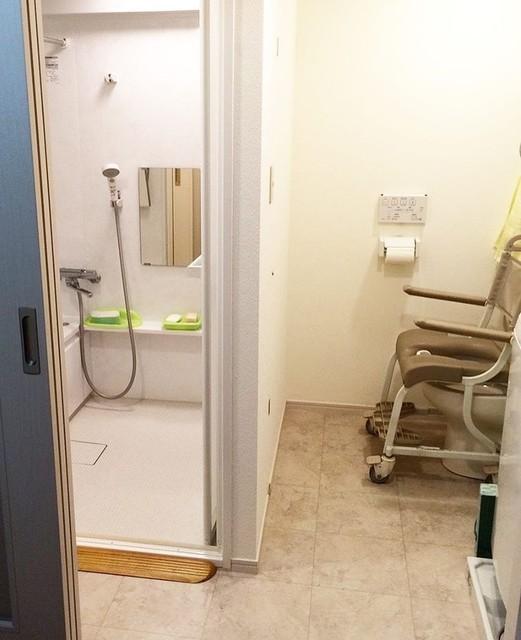 トイレ壁撤去2.jpg